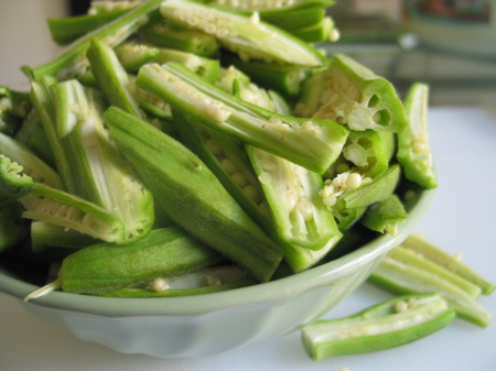 okra-sliced.JPG